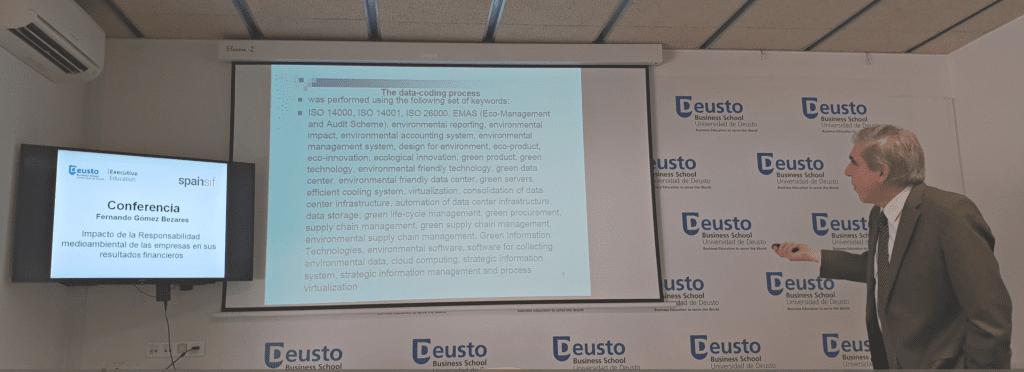 Fernando Gómez-Bezares durante la jornada organizada por Spainsif sobre el impacto de las tecnologías de la información en los resultados financieros de las empresas y en bolsa.